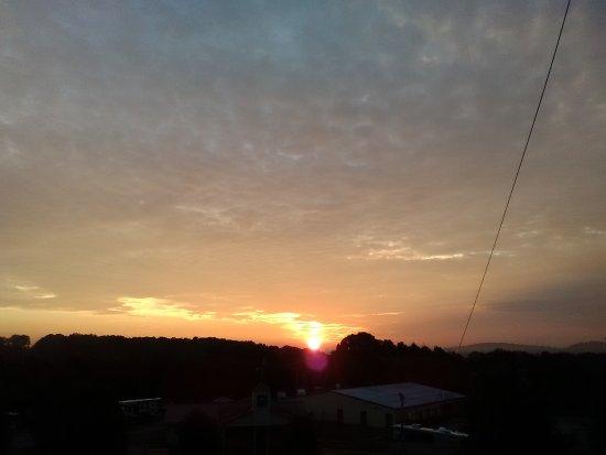 Loudon, TN: IMG_20170802_065204_large.jpg