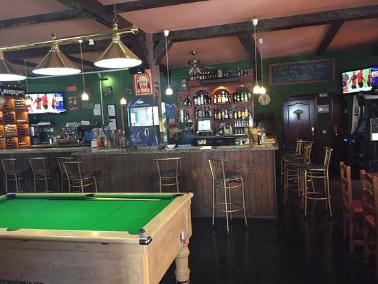 Shakers Bar