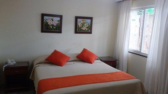 納波利塔諾飯店照片