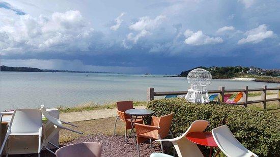 Saint-Jacut-de-la-Mer, France: vue panoramique  sur la baie de l'arguenon