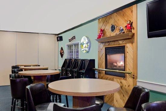 Richland Center, WI: Lounge
