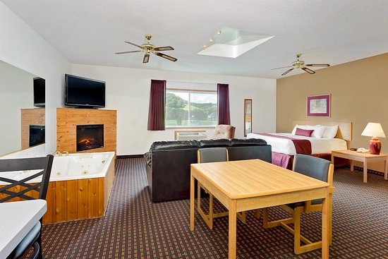 Richland Center, WI: Whirlpool Suite