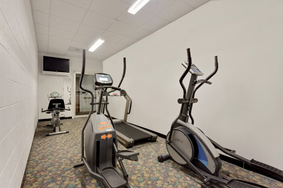 Ramada Richland Center: Fitness