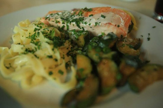 Andelsbuch, Austria: salmon with pasta