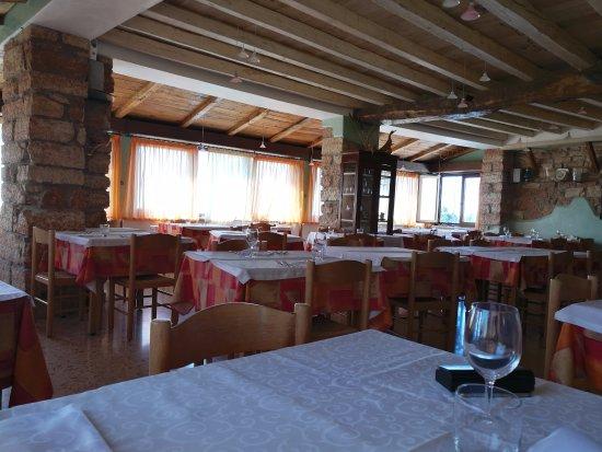 Credenza Per Sala Ristorante : Credenza nella sala foto di albergo ristorante leso bosco