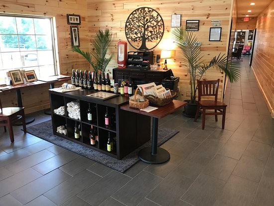 Sperryville, VA: Local Wines, Craft Beers, Tee Shirts, Hard Cider, Clean Bathrooms, and More!