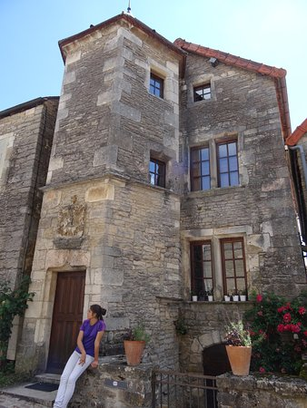 Шатонеф, Франция: Le village médiéval