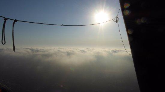 Sky's the Limit Ballooning Adventures: les nuages nous entourent de mystère
