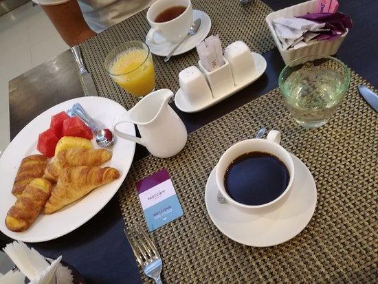 Mercure Hanoi La Gare Hotel : IMG_20170802_073100_large.jpg