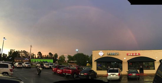 Larry's Pizza: Pot Of Gold! Thanks DeDe for the Picture!