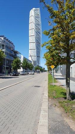 hsb turning torso edificio con firma de calatrava