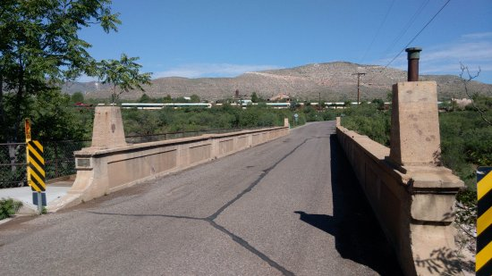 Clarkdale, AZ: Historic Broadway Bridge - view towards Train Station