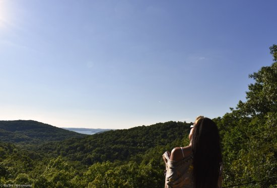 Ridgedale, MO: Lost Canyon Nature Trail - Top of the Rock