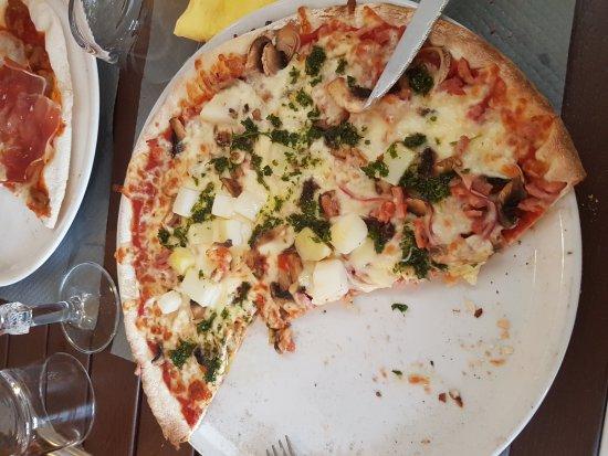 Pizzarobaz soustons restaurant avis num ro de for Restaurant soustons