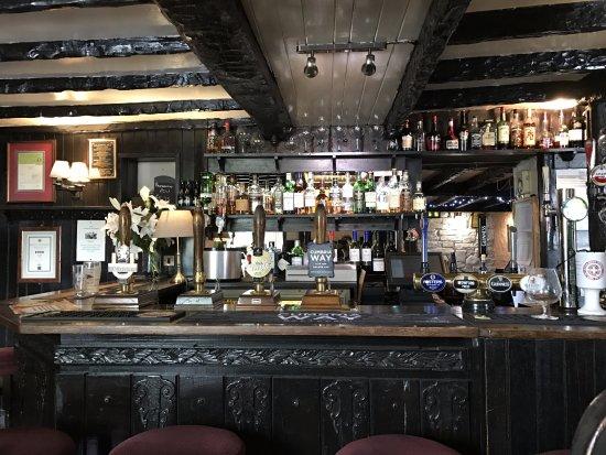 Tirril, UK: bar at the pub