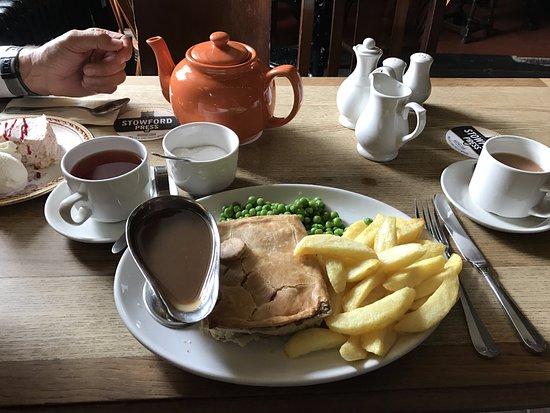 Tirril, UK: meat pie