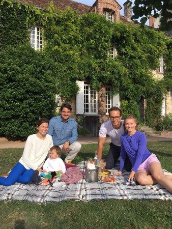Beaumont-en-Auge, France: vive le 14 juillet au Café des Arts!!!🇫🇷