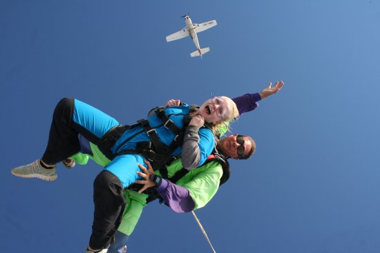 Swakopmund Skydiving Club: We are Falling !!