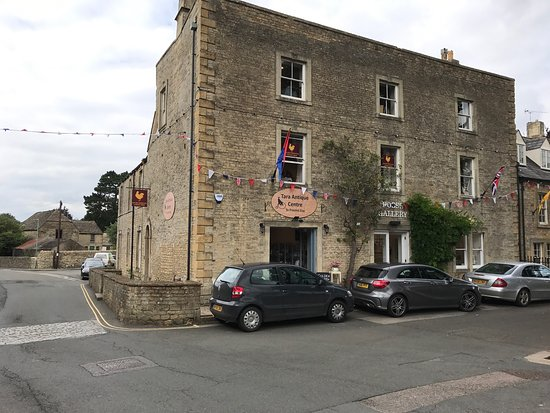 Stow-on-the-Wold, UK: Tara Antiques Centre