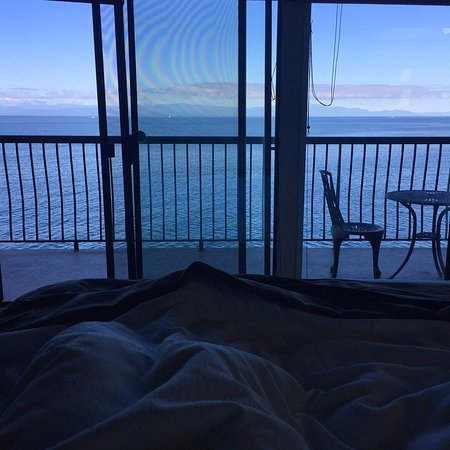 Four Winds Beach House & Spa: View from bed in the Spa Suite!