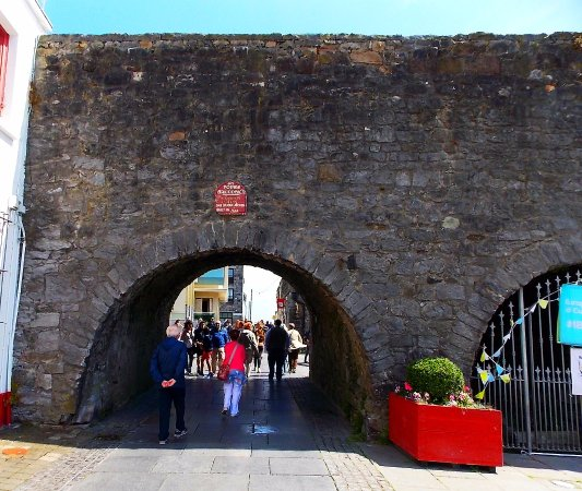 The Spanish Arch: Last portion of what was once a walled city.