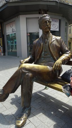 Varna, Bulgarie: Dabko Dabkov Statue