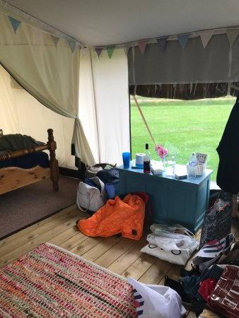 Brandesburton, UK : Girls glamping weekend