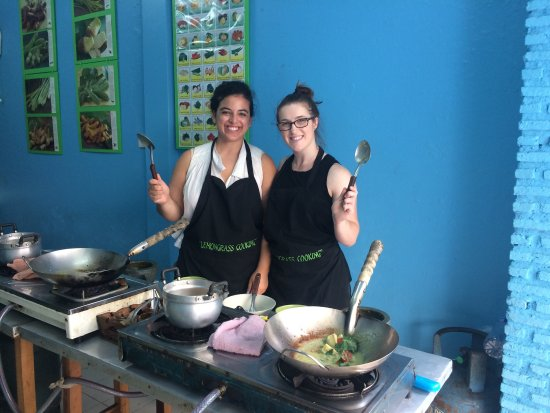 Lemongrass Bangkok Cooking School