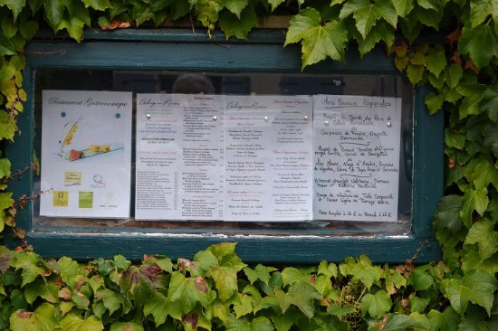 Velluire, France: Menus