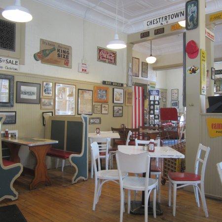 Main St Ice Cream Parlor: awesome memorbelia