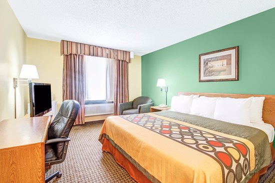 Super 8 McKinney/Plano Area: King Bed Room