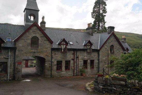 Braemore Square Country House: Dal vialetto di ingresso