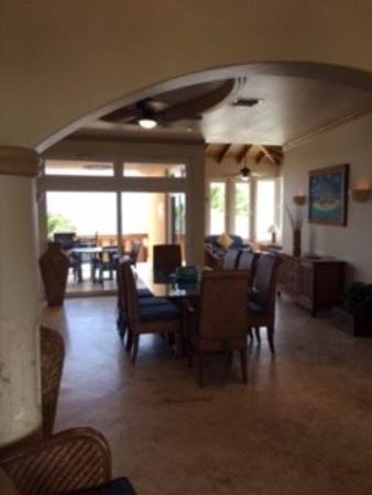 Belizean Cove Estates: Dining room with seating for 8