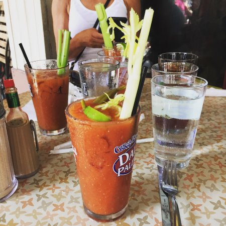 Great sirloin Benedict & bloody Mary's!