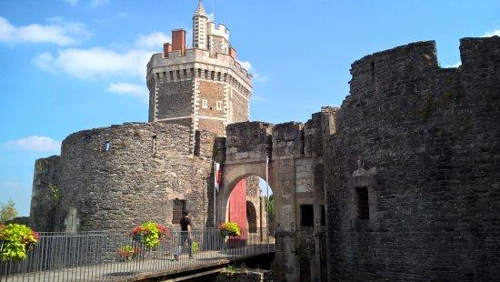 Château Médiéval d'Oudon: entrada