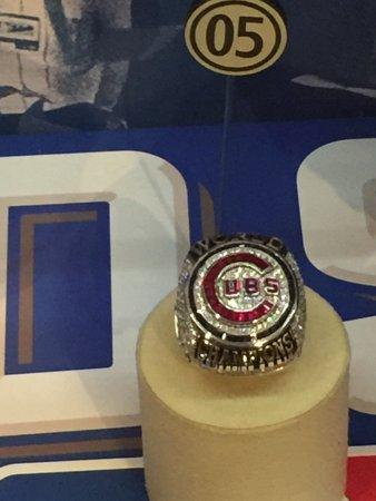 Hartwick, Нью-Йорк: 1 of all the world series rings on display