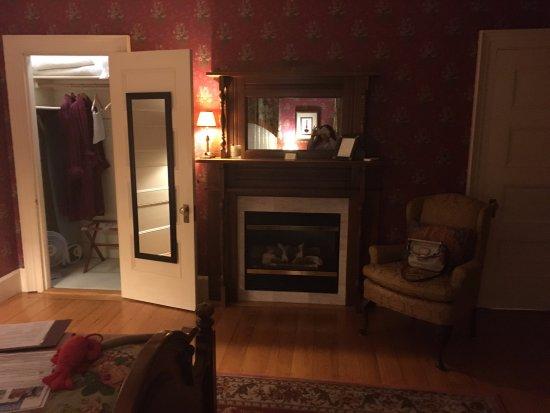 Berry Manor Inn: Room #2