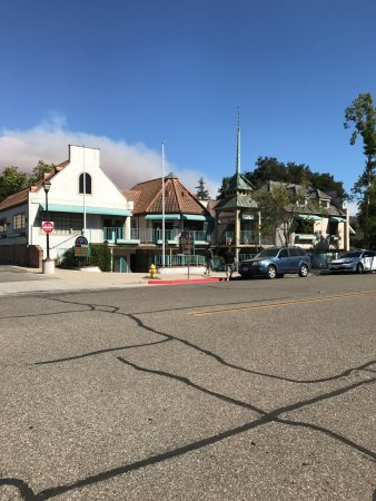 Solvang, CA: Store is to the left of this white building near corner (not pictured sorry!)