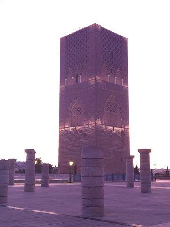 Hassan Tower : Visite nocturne de la tour hassan!