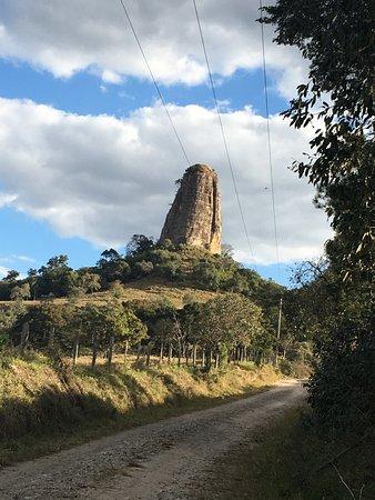 Torre de Pedra, SP: Símbolo da cidade, vale a pena conhecer!