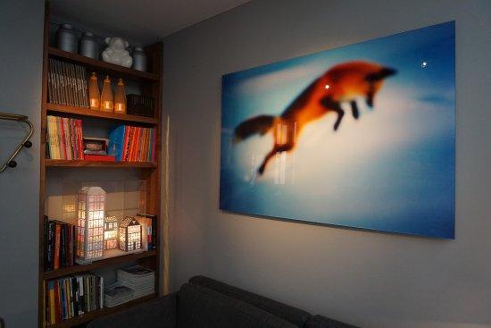 Hotel Jules & Jim: Im Hotel gibt es wechselnde Kunstausstellungen