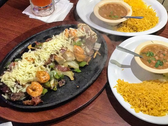 Sealy, TX: Our Shrimp Mix Fajitas for 2 people.