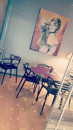 Hotel Auteuil - Manotel Geneva: Snapchat-1179469182_large.jpg