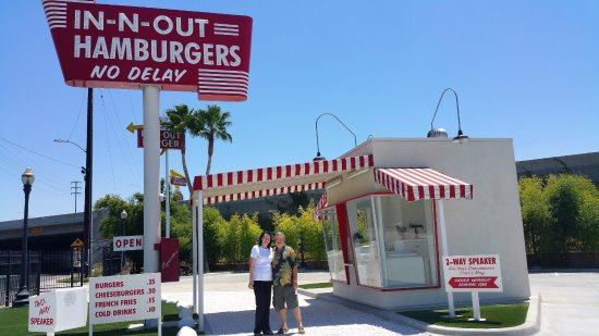 ‪Original in-N-Out Replica‬