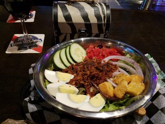Tullahoma, TN: Dog bowl chef salad