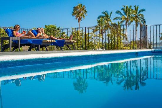 Guaycura Boutique Hotel Beach Club & Spa: Rooftop pool with bar and extraordinary views / Terraza con alberca, bar y vista