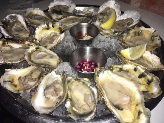 Hank's Oyster Bar: Perfect oysters!