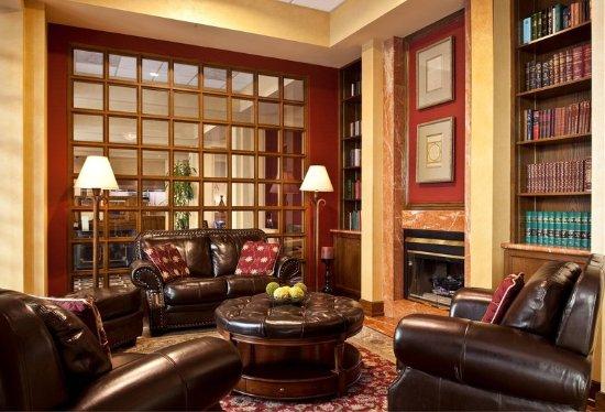 Коммерс, Калифорния: Lobby Library