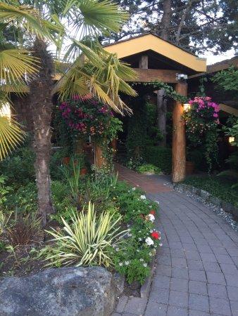 Galiano Oceanfront Inn and Spa 사진