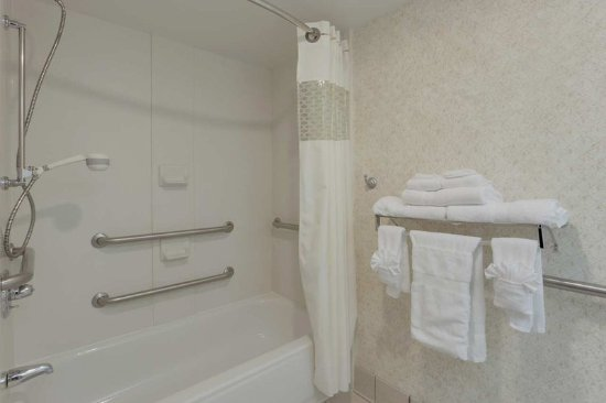 Dumfries, VA: Accessible Bathroom